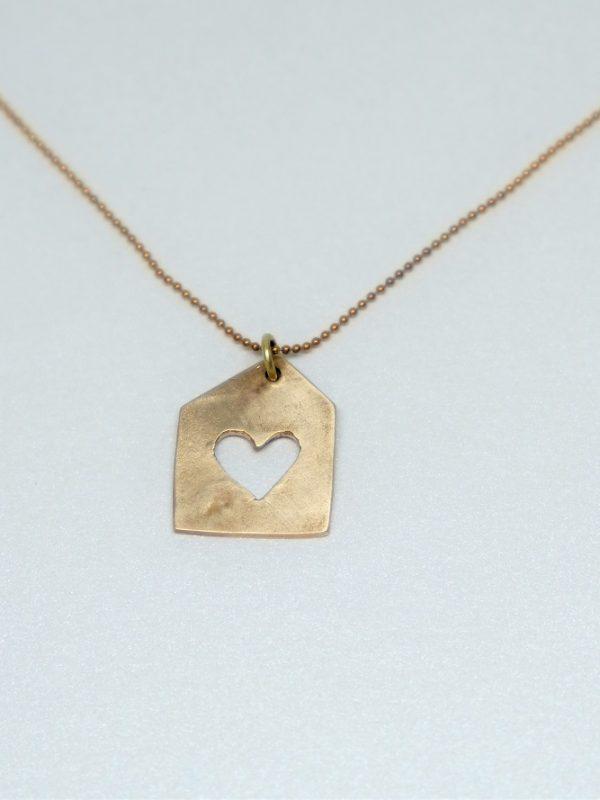biżuteria z brązu domek