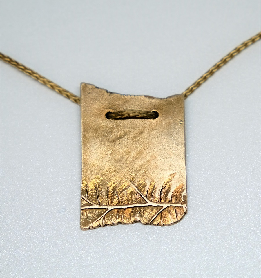 biżuteria z brązu skrawek liścia